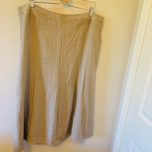 Laura's /  NWT / Beige / Midi / Skirt